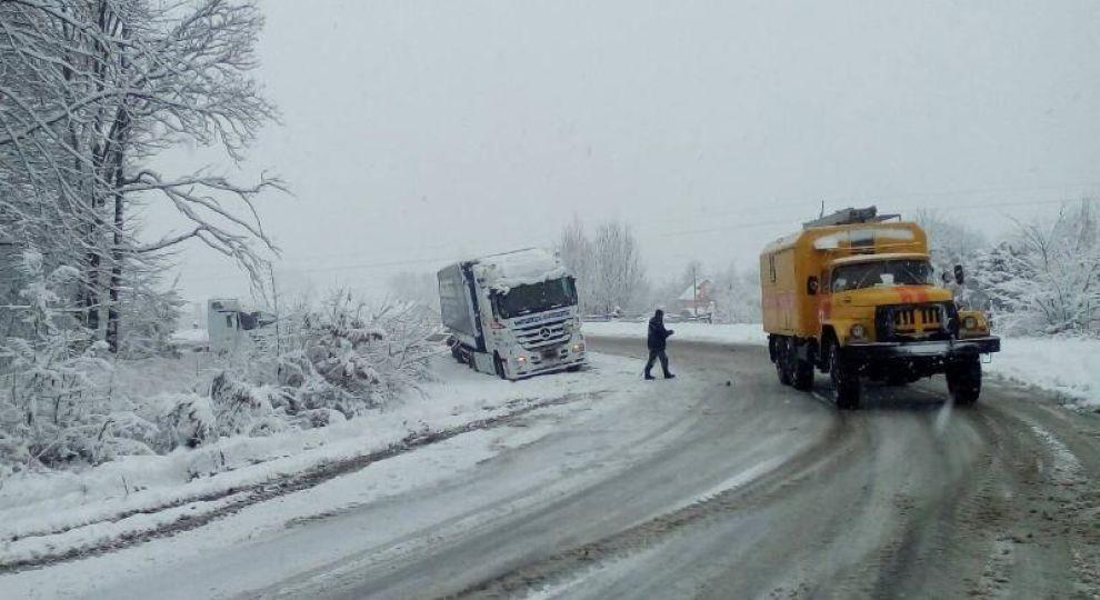 Дороги под Одессой закрыты и-за снега